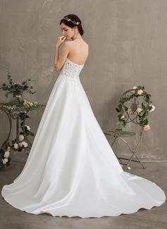Robe Marquise/Princesse Amoureux Traîne moyenne Satiné Robe de mariée avec Brodé Paillettes Poches