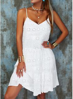 Sólido Agujereado Vestidos sueltos Sin mangas Mini Casual Tipo Vestidos de moda