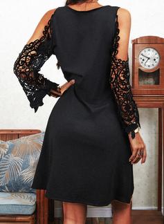 Spets Solid Shiftklänningar Kall axel Långa ärmar Mini Den lilla svarta Fritids Semester Tunika Modeklänningar