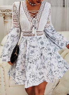 Květiny Krajka Tisk Do tvaru A Volný Rukáv Dlouhé rukávy Mini Neformální Skaterové Módní šaty