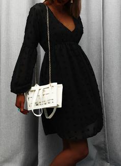 Couleur Unie Coupe droite Manches Longues Mini Petites Robes Noires Élégante Tunique Robes tendance