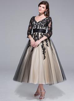 Robe Marquise Col V Longueur mollet Charmeuse Tulle Robe de mariée avec Plissé Motifs appliqués Dentelle