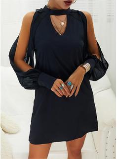 Solid Skiftekjoler Kold-skulder ærmer Lange ærmer Mini Den lille sorte Casual Tunika Mode kjoler