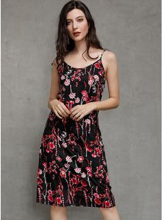 Polyester mit Drucken Über dem Knie Kleid