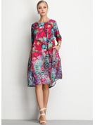 Blomster Skiftekjoler 1/2 ærmer Midi Casual Elegant Mode kjoler