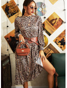 Leopard A-linjeklänning Långa ärmar Midi Fritids skater Modeklänningar
