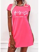 Print Hjärta Brev Shiftklänningar Korta ärmar Mini Fritids t-shirt Modeklänningar