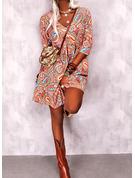 Print Shiftklänningar 3/4 ärmar Mini Boho Fritids Modeklänningar