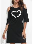 Print Shiftklänningar 3/4 ärmar Kall axel Mini Fritids Tunika Modeklänningar