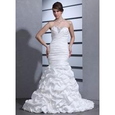 Forme Sirène/Trompette Bustier en coeur Traîne moyenne Taffeta Robe de mariée avec Plissé Emperler