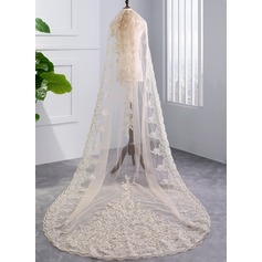 One-tier Lace Applique Edge Chapel Bridal Veils With Lace (006141332)
