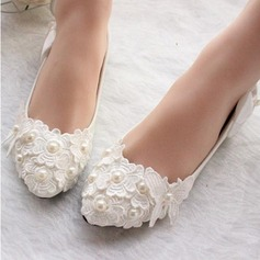 Women's Leatherette Low Heel Closed Toe Pumps With Imitation Pearl Stitching Lace Flower Lace-up (047107072)