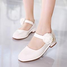 Jentas Lukket Tå Leather lav Heel Pumps Flower Girl Shoes med Imitert Perle Velcro Blomst