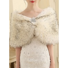 Faux Fur Wedding Shawl (013149893)