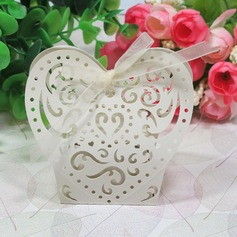 Beautiful Heart-shaped Favor Boxes