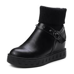 Kvinnor PU Flat Heel Kilar Boots med Spänne Andra skor