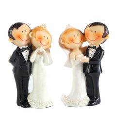 Bride And Groom Resin Wedding Cake Topper (3 Pieces) (128040013)
