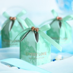 Beautiful diamond shape Card Paper Favor Bags With Ribbons