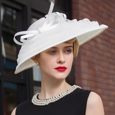 Ladies' Charming Net Yarn Bowler/Cloche Hat