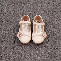 Mädchens Geschlossene Zehe Microfaser-Leder Flache Ferse Flache Schuhe Blumenmädchen Schuhe mit Nachahmungen von Perlen Satin Schleife Klettverschluss