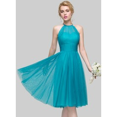 A-Line/Princess Scoop Neck Knee-Length Tulle Cocktail Dress With Ruffle (016110546)