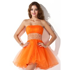 A-Line/Princess Strapless Short/Mini Tulle Homecoming Dress With Ruffle Beading