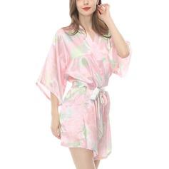 la mariée Demoiselle d'honneur charmeuse avec Court Robes florales Kimono robes