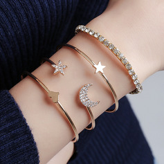 Fashionable Alloy With Rhinestone Women's Fashion Bracelets (Set of 4)