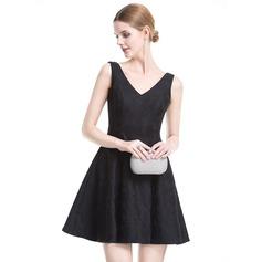 Vestidos princesa/ Formato A Decote V Curto/Mini Renda Vestido de cocktail com Curvado
