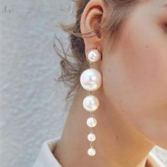 Stilfuld Metal med Imiteret Pearl Kvinder Mode øreringe
