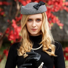 Ladies' Fashion Fabric With Bowknot Beret Hat