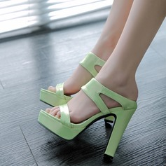 Women's Leatherette Chunky Heel Sandals With Hollow-out shoes (087114497)