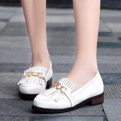 Kvinnor Lackskinn Flat Heel Platta Skor / Fritidsskor Stängt Toe med Tofs skor