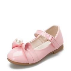 Pigens Lukket Tå patent Leather Flad Hæl Fladsko Flower Girl Shoes med Imiteret Pearl Velcro