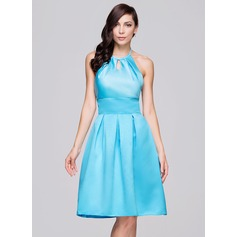 A-Line/Princess Halter Knee-Length Satin Bridesmaid Dress With Ruffle Bow(s)