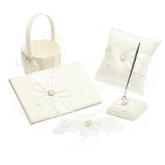 Prächtig Kollektion Set in Satin mit Bänder/Faux-Perlen
