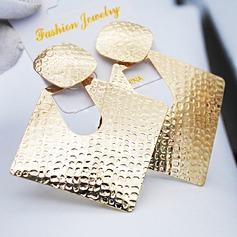 Snygg Järn Kvinnor Mode örhängen (Säljs i ett enda stycke)