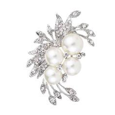 Flower Shaped Alloy/Rhinestones/Imitation Pearls With Rhinestone/Imitation Pearls Ladies' Brooch