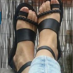 Mulheres Couro Sem salto Sandálias Sem salto Peep toe Sapatos abertos com Fivela Alça trançada sapatos