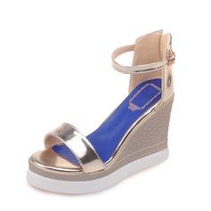 Mulheres Couro Plataforma Sandálias Calços com Fivela sapatos (087087859)
