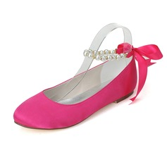 Women's Satin Flat Heel Closed Toe Flats With Imitation Pearl (047077970)