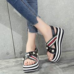 Kvinnor PU Kilklack Sandaler Plattform Kilar Peep Toe Slingbacks med Oäkta Pearl Spänne Flätad rem skor