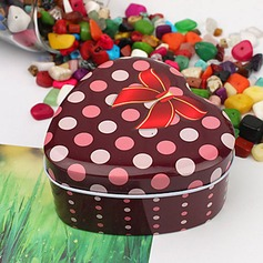 Polka Dots Pattern Heart-shaped Favor Tin