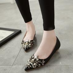 Frauen Kunstleder Flascher Absatz Geschlossene Zehe mit Kristall Nachahmungen von Perlen Schuhe