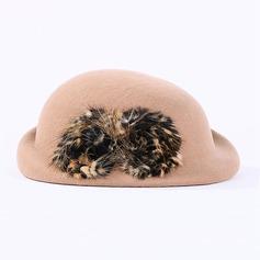 Ull Stiv / Cloche Hatt