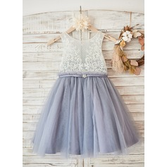 A-Line/Princess Knee-length Flower Girl Dress - Tulle/Lace Sleeveless Scoop Neck (010131731)