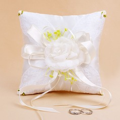 Lovely Ring Pillow With Bow/Petals