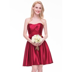 Vestidos princesa/ Formato A Coração Coquetel Cetim Vestido de madrinha com Pregueado