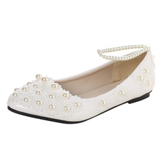 Women's Patent Leather Flat Heel Closed Toe Flats With Imitation Pearl Applique (047106266)