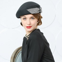 Ladies' Beautiful Wool/Fabric With Bowknot Beret Hat